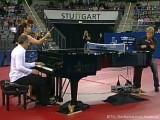 Tischtennis am Piano mit Joja Wendt, Torben Wosik und Dame bei der Tischtennis EM 2009 in Stuttgart