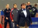 Kristin Silbereisen und Petrissa Solja laufen zum Finale der Tischtennis deutsche Meisterschaft 2010 ein