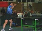 Jindrich Pansky schmettert den Tischtennisball