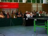 Zuschauer und Schiedsrichter bei Tischtennisshow 2009 in Hassfurt